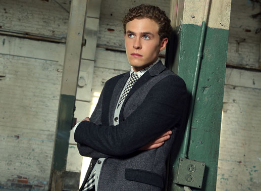 Staffelfinale d... Iain De Caestecker Shield