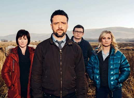 Ein starkes Team: Chief Inspector Tom Mathias (Richard Harrington) mit seinen Ermittlern Constable Lloyd Ellis (Alex Harries), der temperamentvollen Siân Owens (Hannah Daniel) und der scharfsinnigen Inspektorin Mard Rhys (Mali Harries). Bild: Sender / Fiction Factory S4C all3media