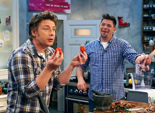 jamie oliver kocht mit tim m lzer tv news. Black Bedroom Furniture Sets. Home Design Ideas