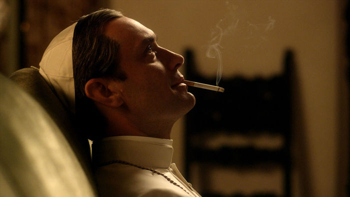 "Jude Law ist ""The Young Pope"". Bild: SKY"