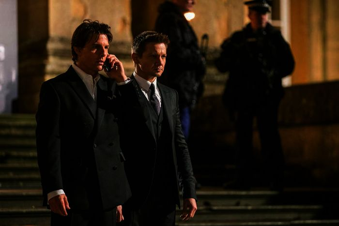 Tom Cruise (Ethan Hunt), Jeremy Renner (William Brandt). Bild: Sender / ORF / Pro7 / 2015 PARAMOUNT PICTURES. ALL RIGHTS RESERVED / David James